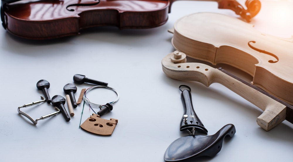 Violin Accessories for Beginners That Must Have!