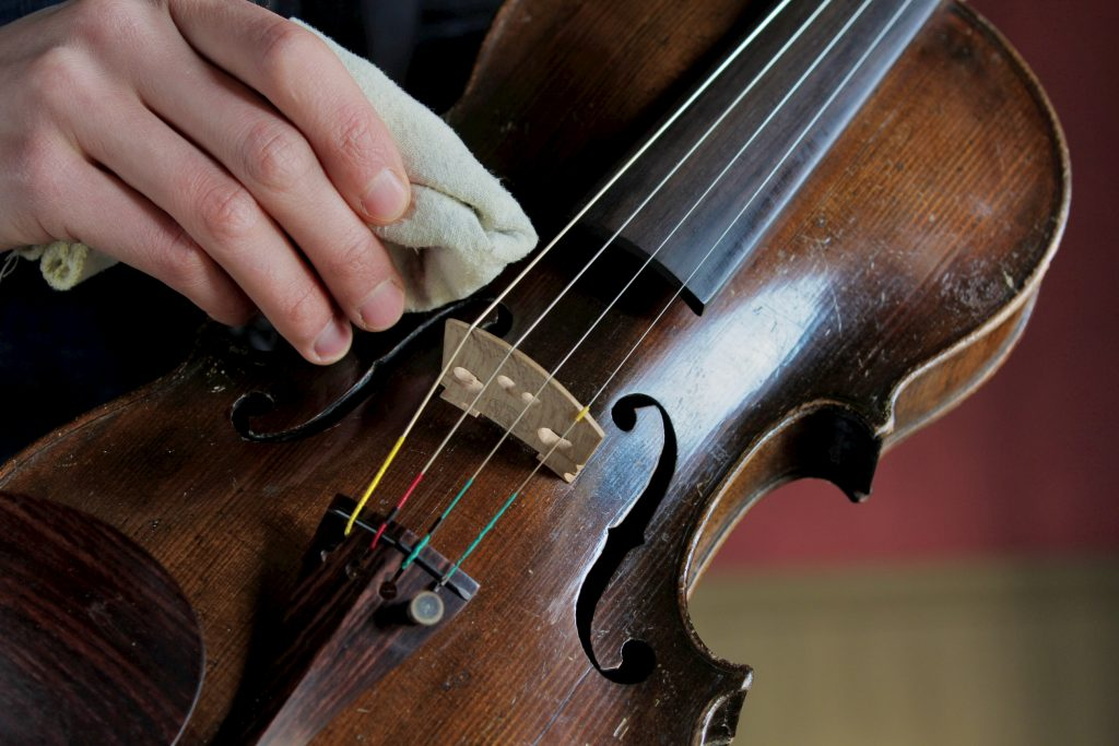 Violin cleaning kit | All you need to know about.